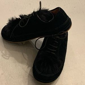 New UGG casual walking shoes